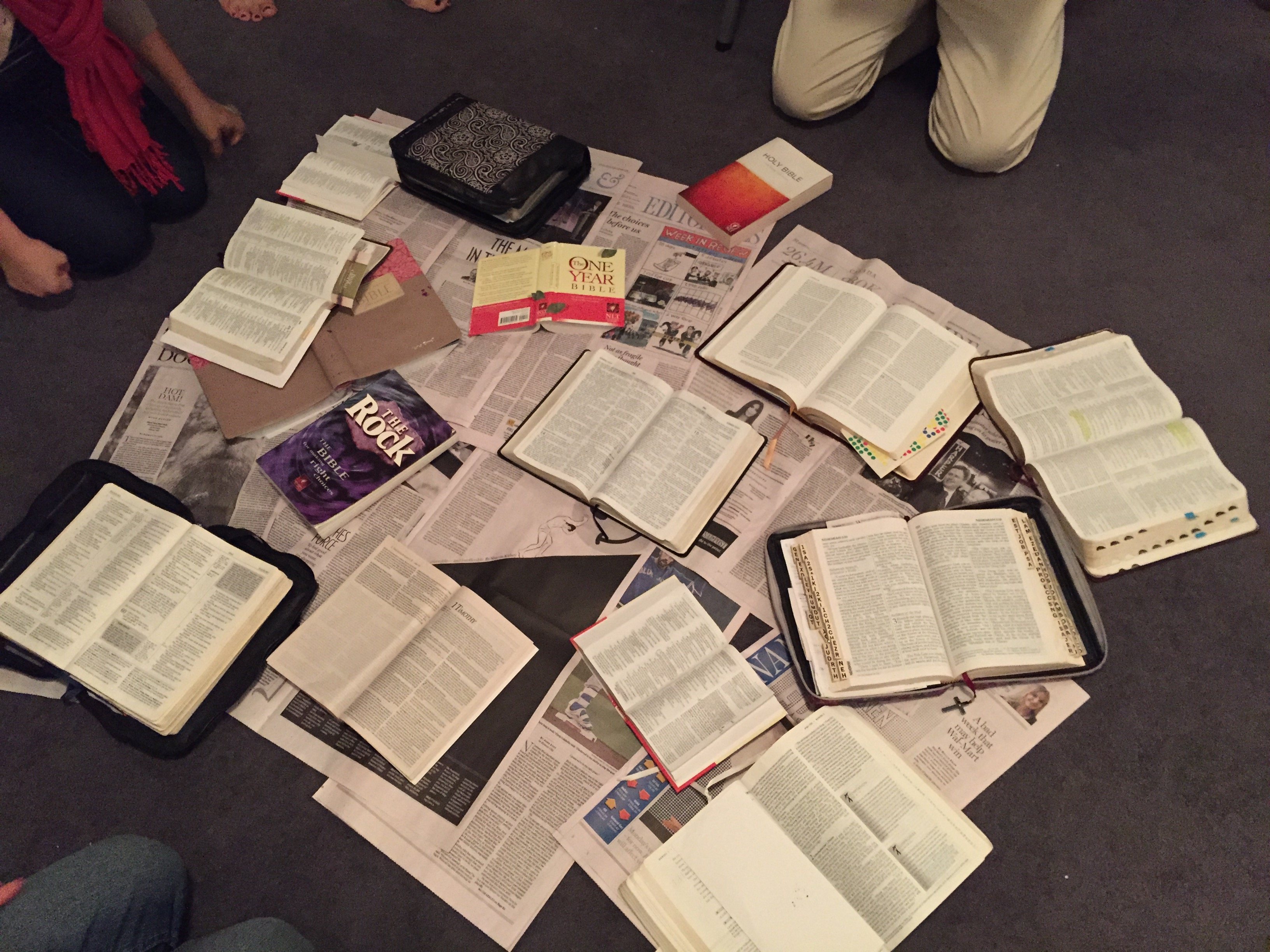 bibles-in-prayer-room